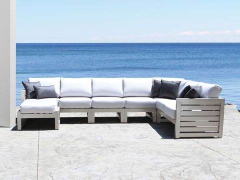 lakeview-sectional-collection